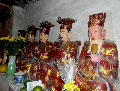 tuong-dat-chua-nomto-135150562-7000-7545