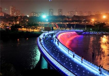 """Những cây cầu """"long lanh"""" nhất Việt Nam"""