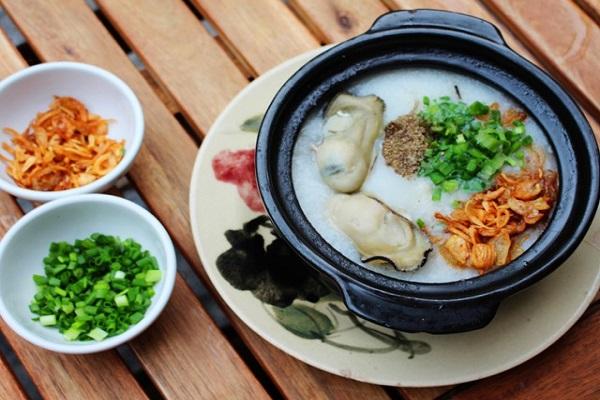 Món ngon Đồng Hới, Quảng Bình: Cháo hàu.