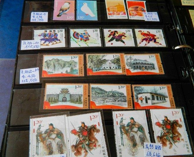 Phiên chợ tem cuối tuần giữa lòng Sài Gòn