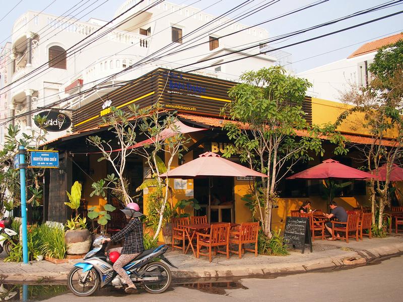 Buddy – Icream & info Cafe: Số 6 Bạch Đằng, Dương Đông.