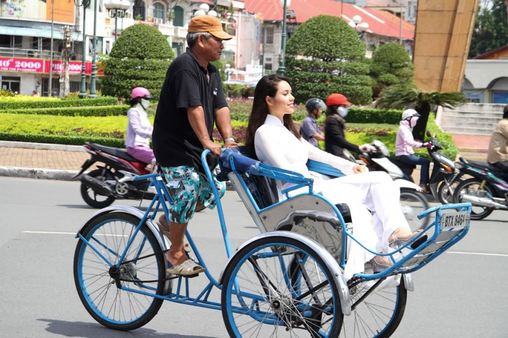Xe xích lô là một phương tiện được nhiều du khách yêu thích.