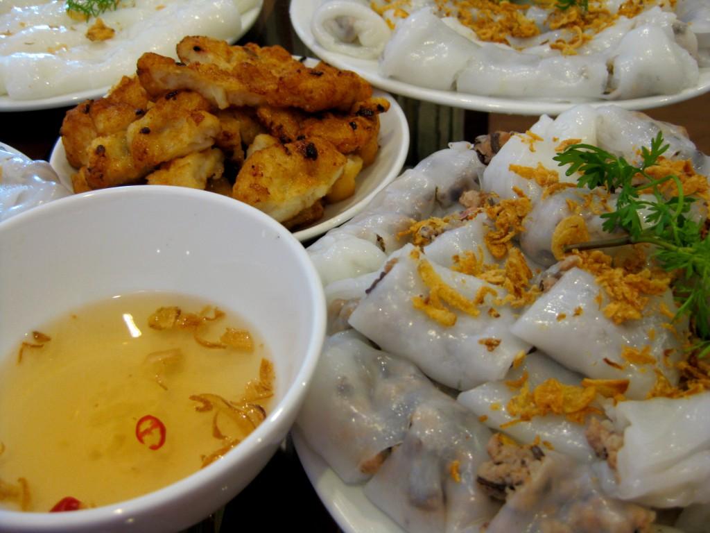 Món ngon Hạ Long - Bánh cuốn chả mực