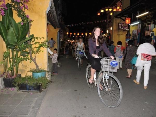 Xe đạp là phương tiện tốt nhất để khám phá Hội An