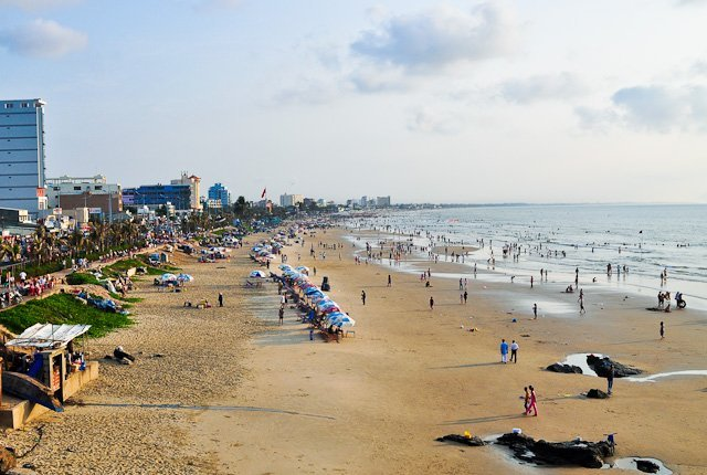 Bãi Sau còn được gọi là bãi Thùy Vân - Điểm du lịch hấp dẫn.
