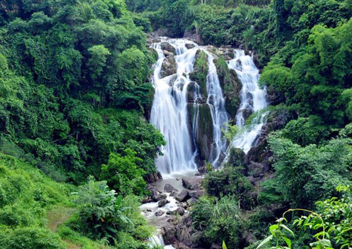 Thác Gò Lào, điểm du lịch ở Mai Châu.