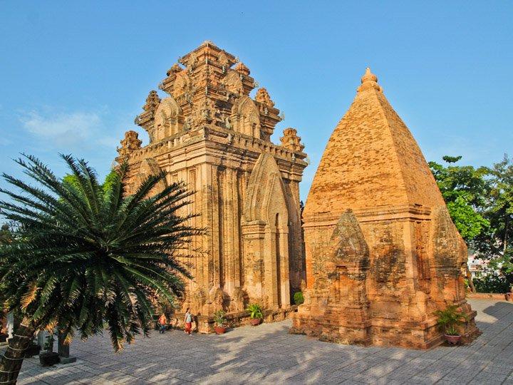 Khu di tích Tháp Bà Ponagar - điểm du lịch hấp dẫn Nha Trang
