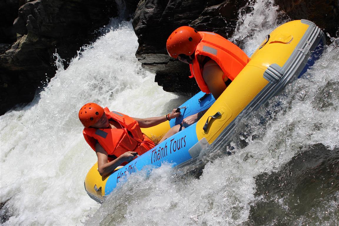 Trượt thác Phú Thành