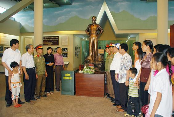 Du lịch ATK Định Hóa - Nhà trưng bày