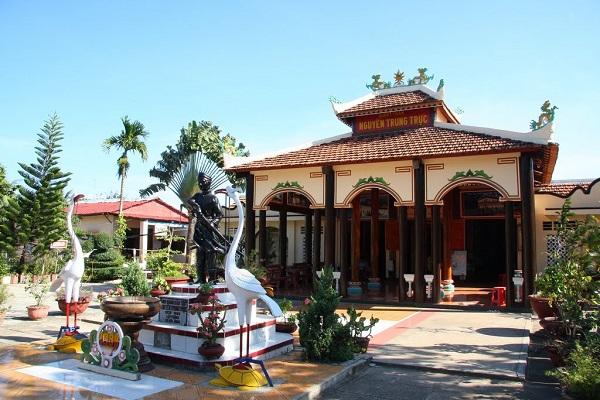Thăm Đền thờ anh hùng Nguyễn Trung Trực ở Gành Dầu Phú Quốc - Những điều phải thử ở Phú Quốc.