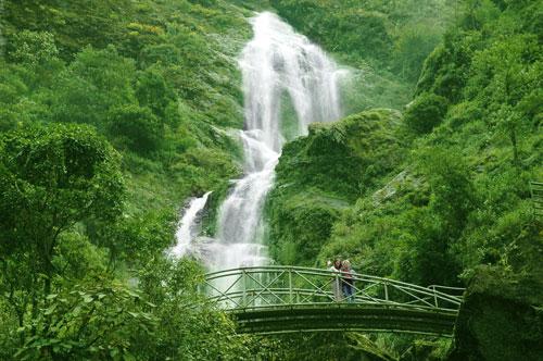 Thác Bạc - Điểm du lịch hấp dẫn ở Bắc Kan