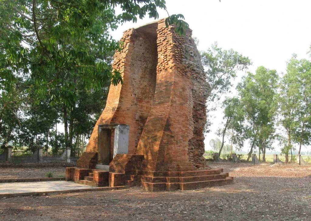 Tháp cổ Vĩnh Hưng - Điểm đến hấp dẫn Bạc Liêu