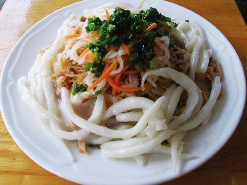 Món ngon Bạc Liêu: Bánh tằm Ngan Dừa.