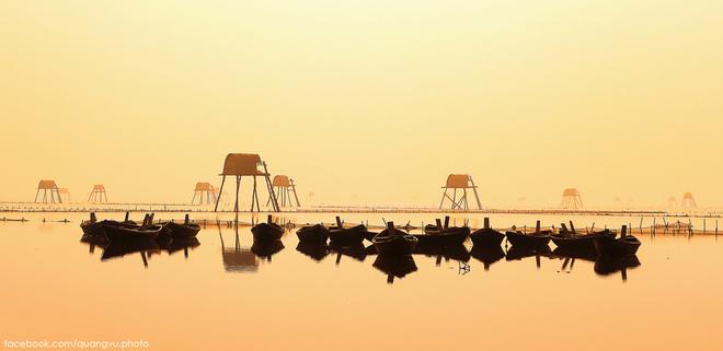 Thái Bình là một tỉnh thuộc đồng bằng châu thổ sông Hồng có địa hình bằng phẳng, với nhiều ao hồ, sông ngòi, khí hậu mát mẻ; nhiều làng nghề thủ công mỹ nghệ truyền thống, nhiều di tích lịch sử - văn hóa với các lễ hội dân gian đặc sắc.