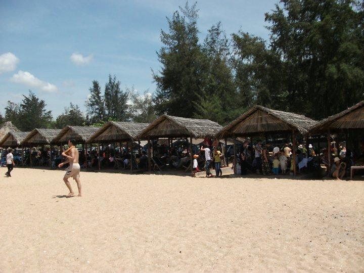 Vào những kỳ nghỉ, du khách đến đây rất đông, đặc biệt là du khách từ Sài Gòn.