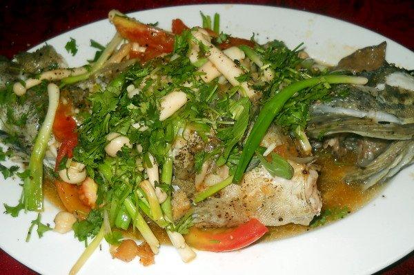 Món cá mú hấp Lăng Cô