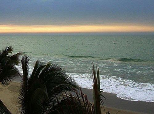 Bãi biển khi chiều tà