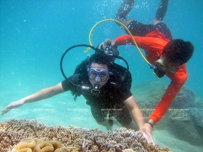Lặn biển ở Hòn Tằm Nha Trang.