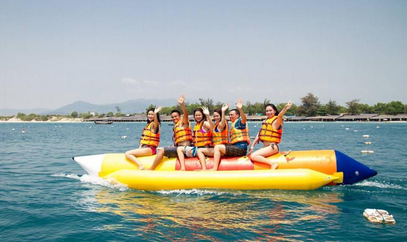 Những trò chơi trên biển Nha Trang tạo cho bạn cảm giác tuyệt vời.