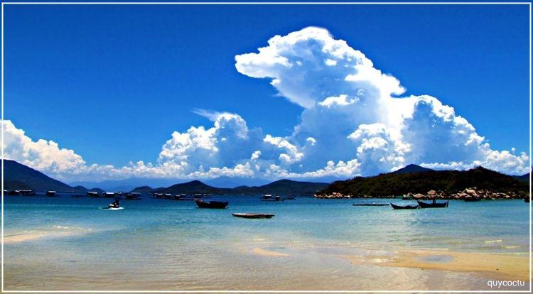 Bãi biển Xuân Ðừng
