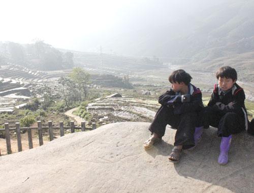 Bãi đá cổ đang là điểm hút khách trong dịp lễ kỷ niệm 110 năm du lịch Sa Pa. Ảnh:Anh Phương