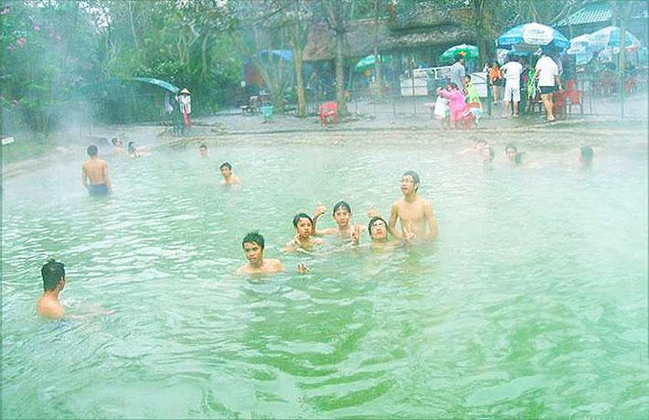 Suối khoáng nóng Bình Châu