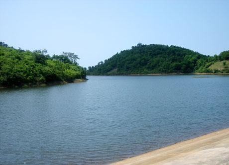 Hồ thủy lợi trên đảo Ngọc Vừng, điểm tham quan thú vị