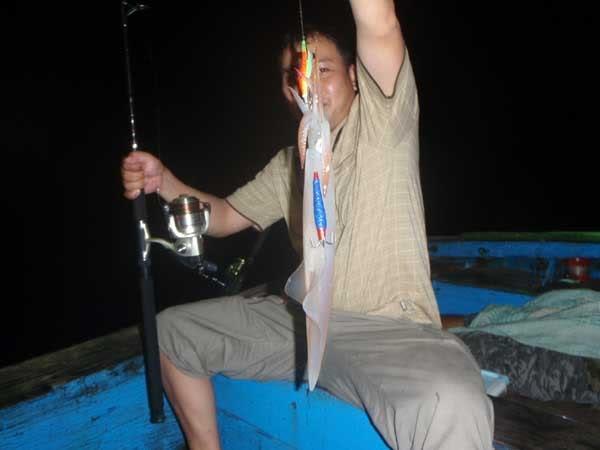 câu mực đêm tại biển Ninh Chữ