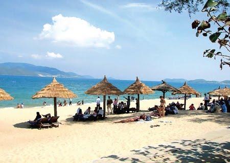 .Bãi biển Non Nước được nhiều du khách yêu thích