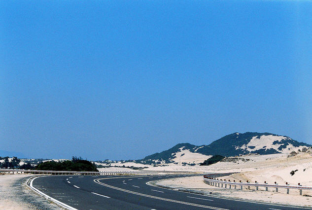 Con đường dẫn đến Đầm Môn