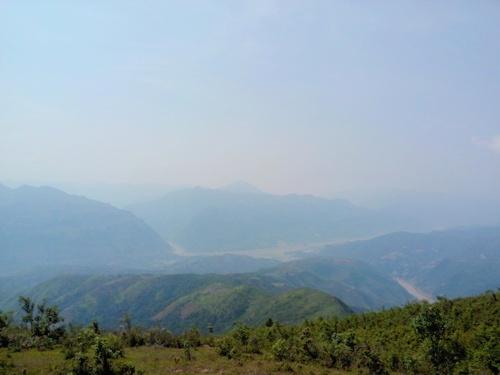 Ngã ba sông nhìn từ điểm cao