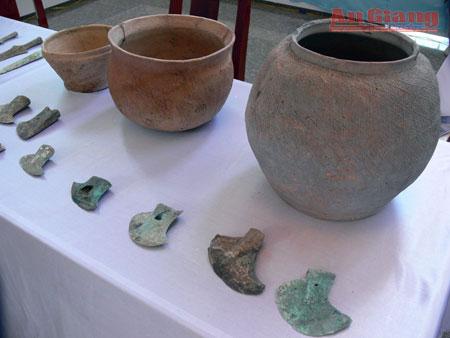 Các hiện vật cổ ở bảo tàng tỉnh An Giang