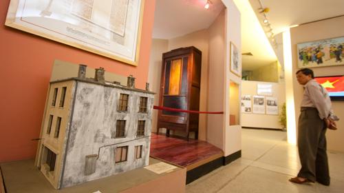 Bảo tàng Hồ Chí Minh còn có tầng triển lãm các chuyên đề về Chủ tịch Hồ Chí Minh