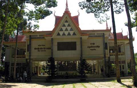 Điểm du lịch Sóc Trăng hấp dẫn: Bảo tàng Khmer.