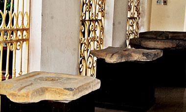 YONI - Linh vật thờ của đạo Bà La Môn.
