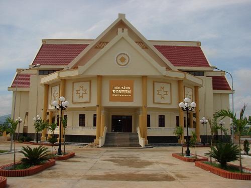 Trụ sở: Bảo Tàng Kon Tum. Số: 659. Nguyễn Huệ - TP. Kon Tum – tỉnh Kon Tum.