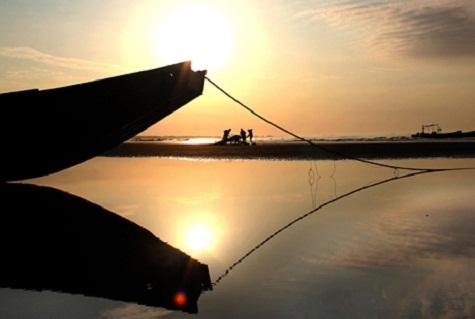 Hoàng hôn trên bãi biển Trà Cổ