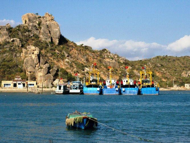 Điểm du lịch Cà Mau hấp dẫn: Biển Khai Long.