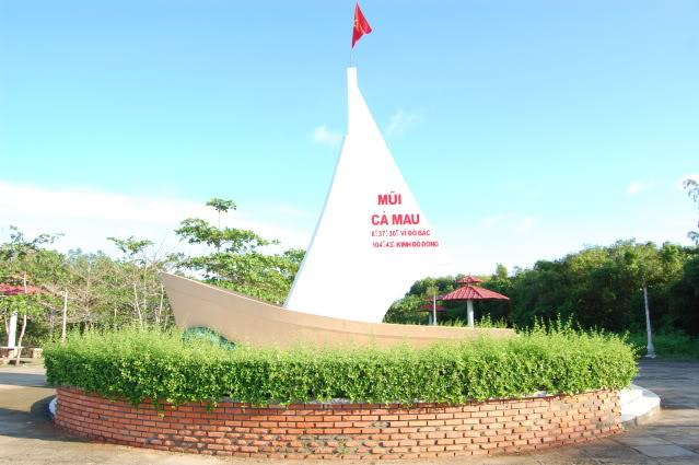Điểm du lịch Cà Mau hấp dẫn: Mũi Cà Mau - Cực nam tổ quốc.