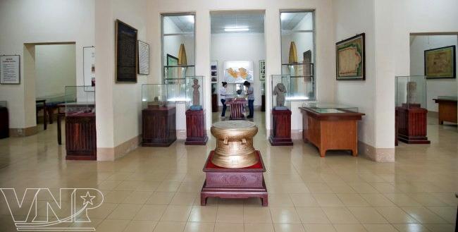 Bảo tàng Long An, nơi lưu trữ nhiều tư liệu và hiện vật thể hiện sống động Cần Giuộc qua các thời kỳ lịch sử