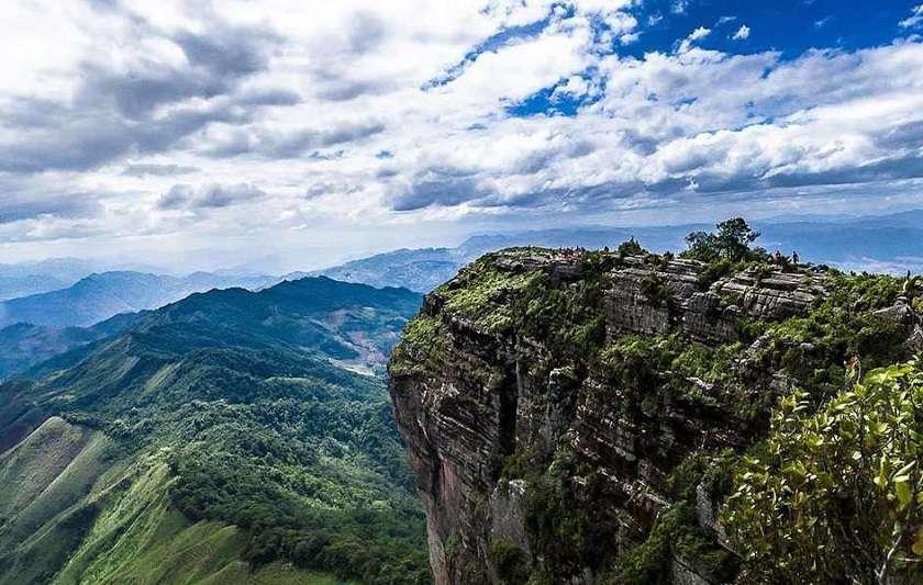 Núi Pha Luông.