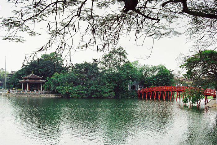 Thê Húc , đền Ngọc Sơn
