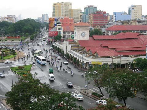 Cổng chính chợ Bến Thành