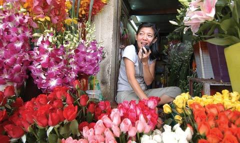 Cô chủ cửa hàng hoa Nga, thế hệ thứ ba gắn bó với chợ Bến Thành