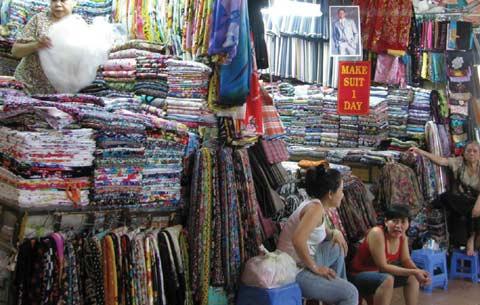 Cửa hàng Vải lụa chợ Bến Thành