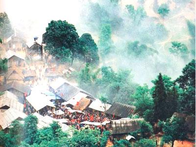 Chợ tình Khâu Vai bồng bềnh trong mây núi