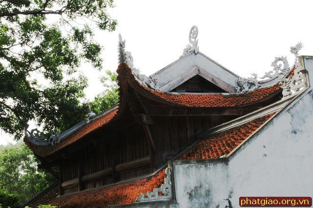 mái chùa cổ kính