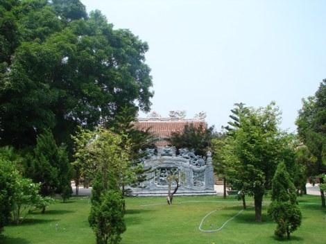 Khu hoa viên chùa Trúc Thánh