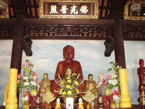 Bàn thờ Phật tổ