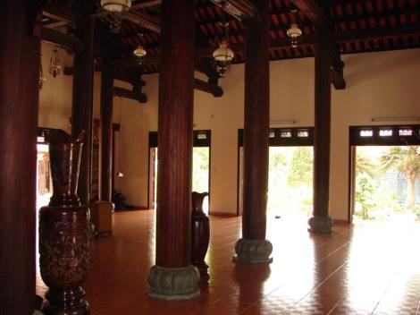 Kiến trúc bên trong nhà chùa
